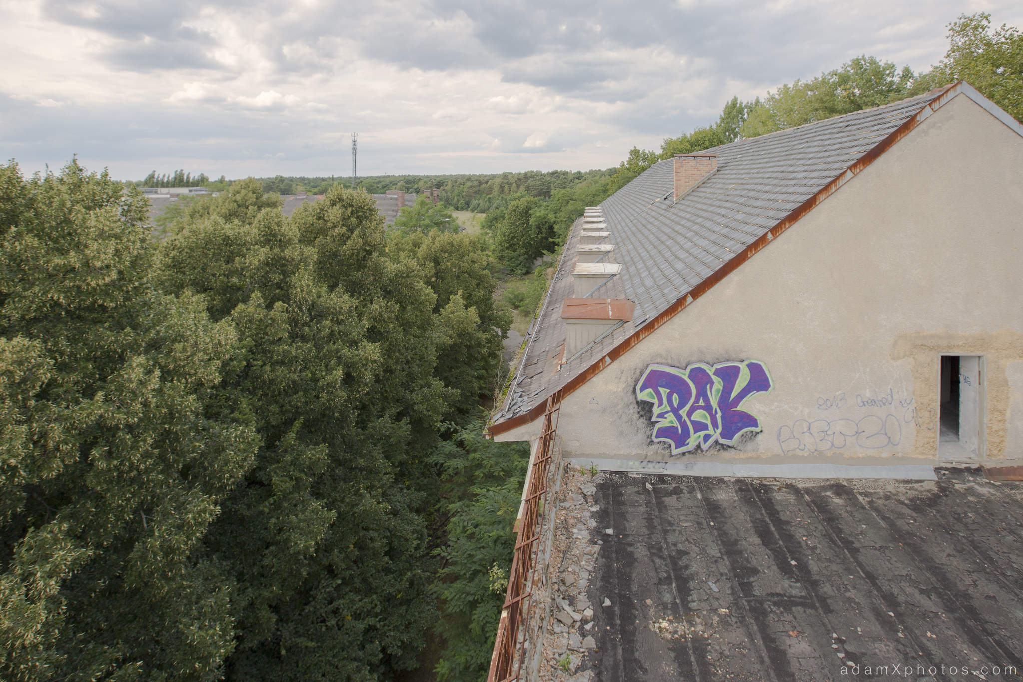 Adam X Urbex Urban Exploration Abandoned Germany Wunsdorf barracks roof external view