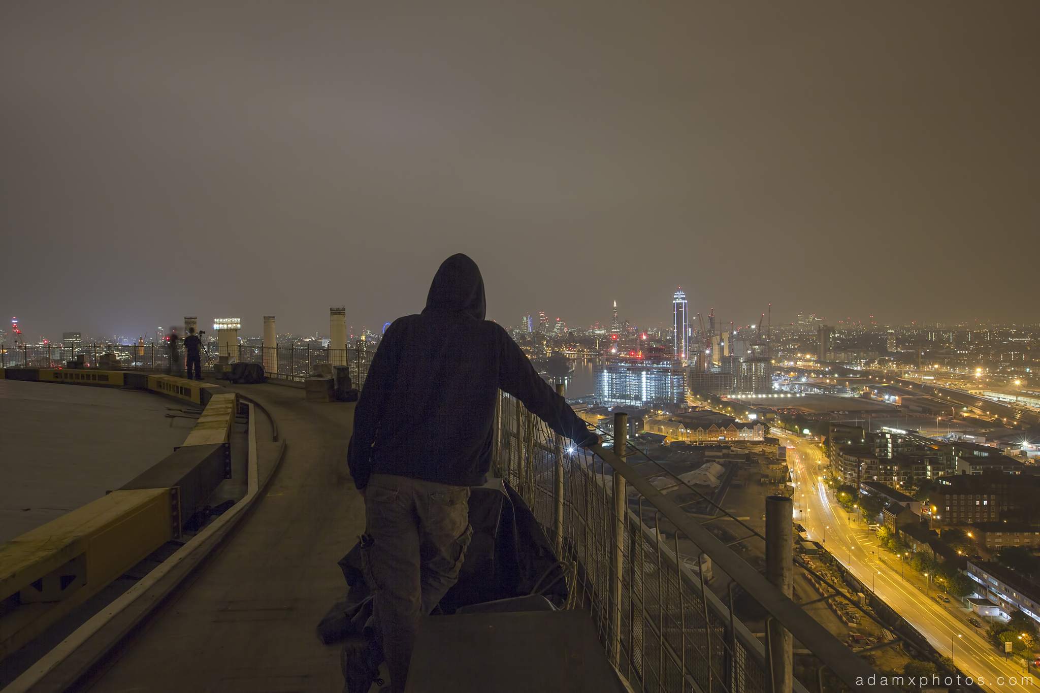 Adam X Urbex UE Urban Exploration London Rooftops High Night Photo Photography Skyline Battersea Gas Holders Gasometer roof explorers battersea power station BPS selfie self portrait