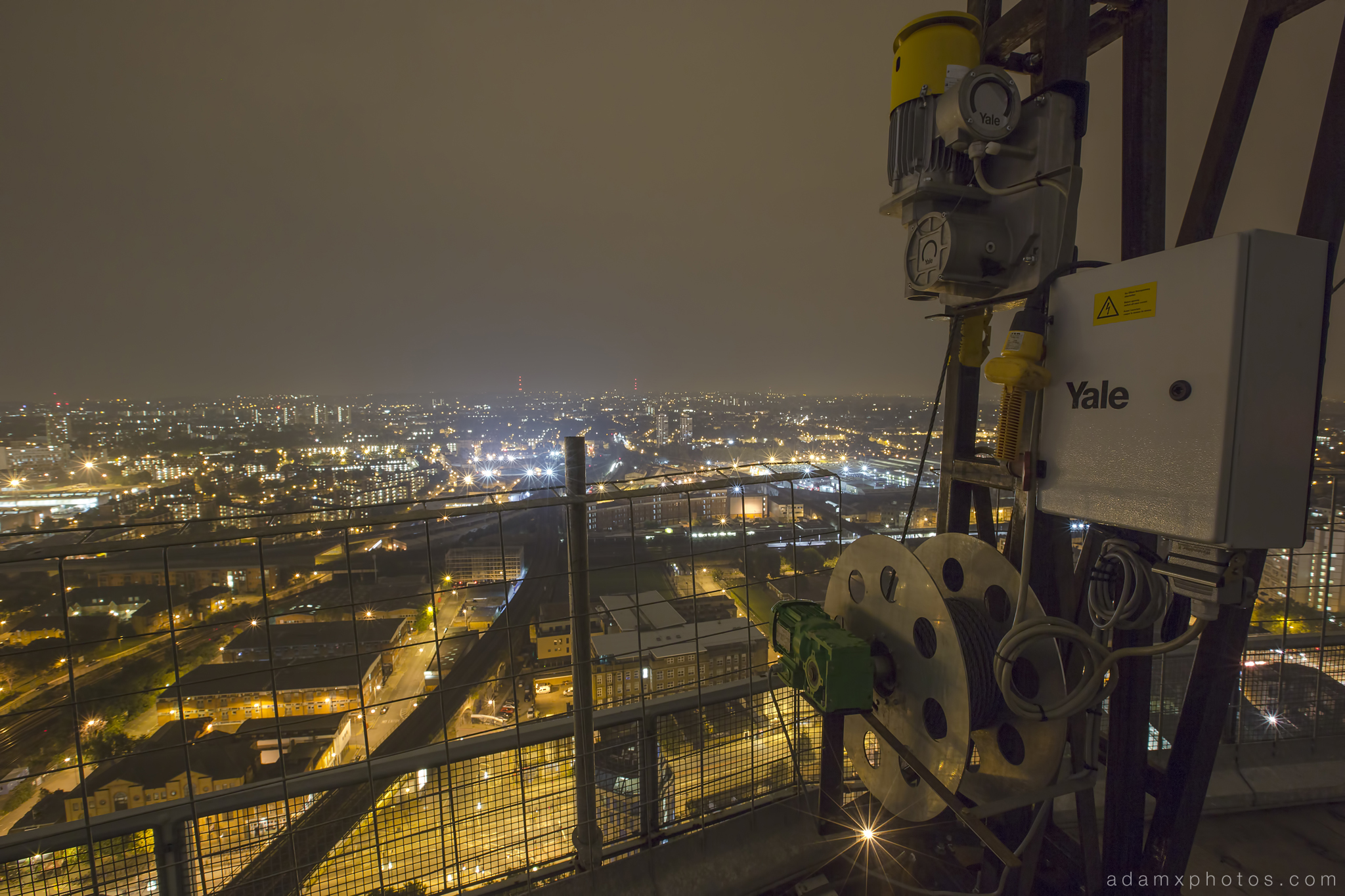 Adam X Urbex UE Urban Exploration London Rooftops High Night Photo Photography Skyline Battersea Gas Holders Gasometer roof explorers battersea power station BPS lift