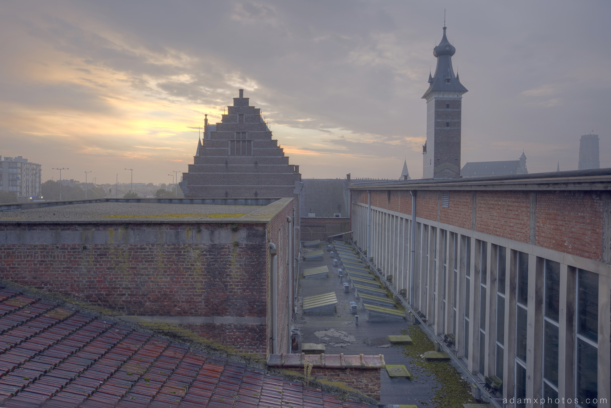 Sunrise dawn roof Adam X Urbex UE Urban Exploration Belgium Piscine Crachoir swimming pool abandoned derelict unused empty disused decay decayed decaying grimy grime