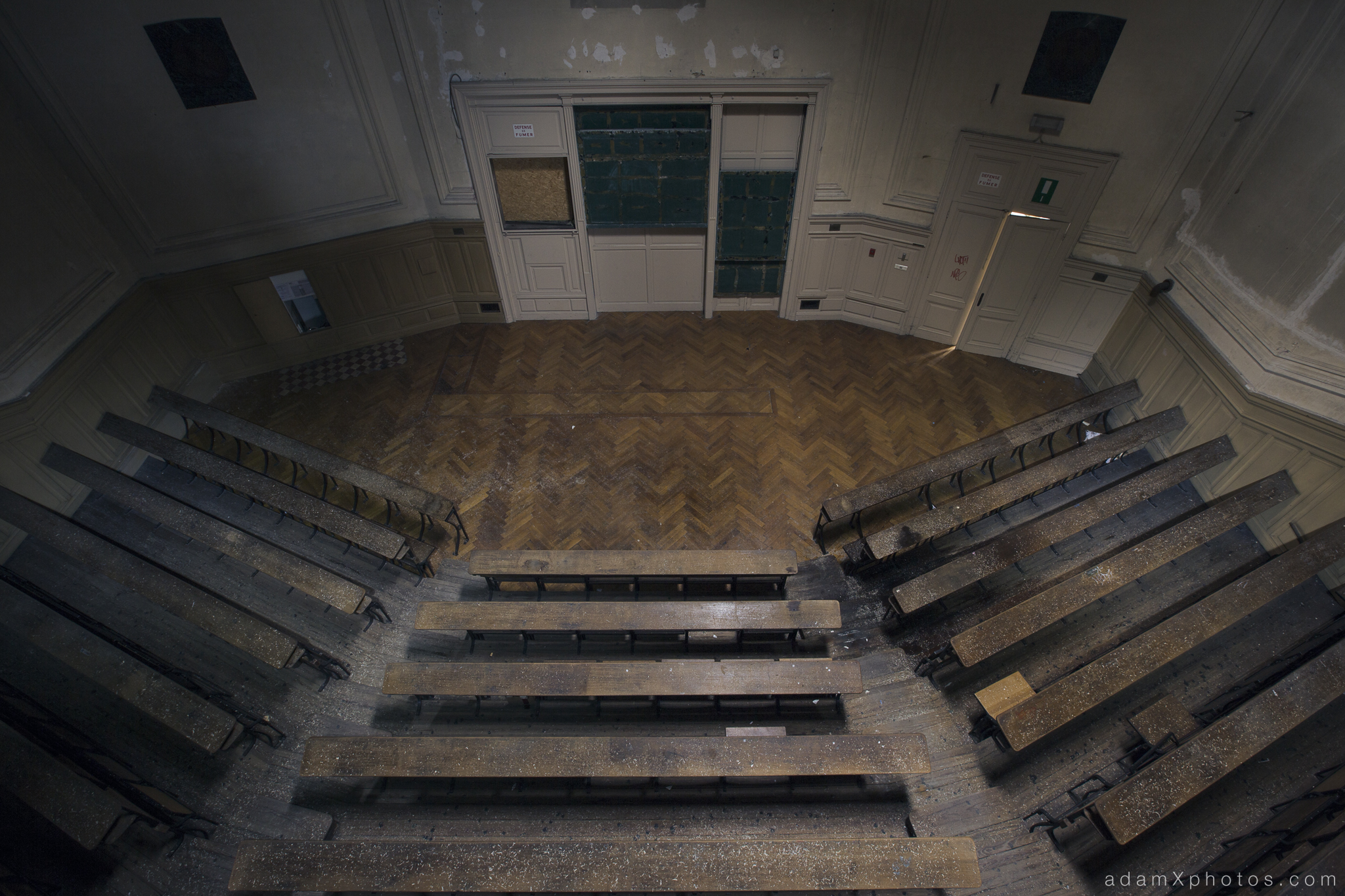 Main lecture theatre auditorium top view from above looking down Adam X Urbex UE Urban Exploration Belgium Pritzer Fac Pritzker Fac University College campus buildings abandoned derelict unused empty disused decay decayed decaying grimy grime