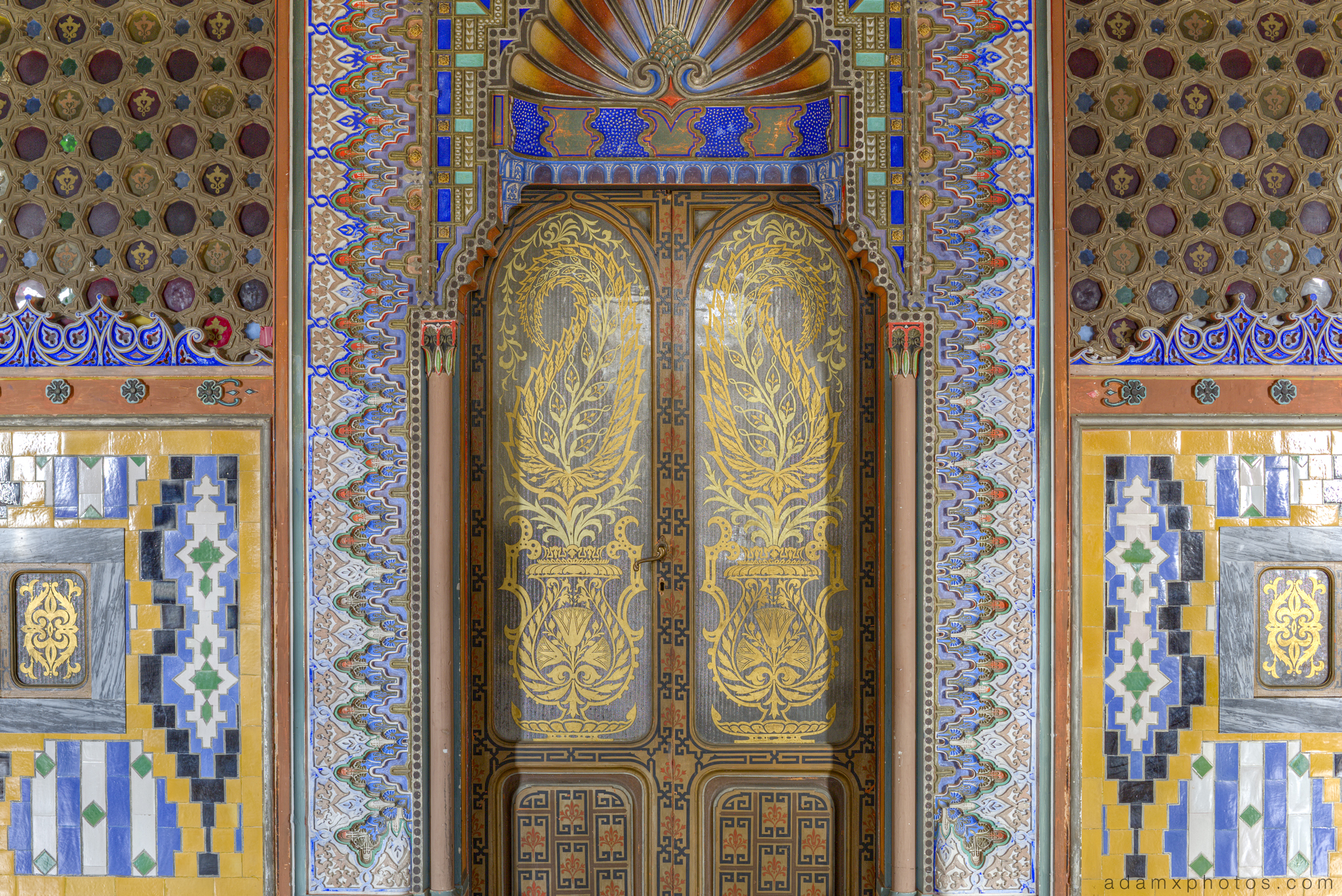 Peacock Room detail doors tiles colours Non Plus Ultra Fairytale Castle of Sammezzano Castello di Sammezzano Urbex Adam X Urban Exploration photo photos report decay detail UE abandoned Ornate Moorish tiling tiled derelict unused empty disused decay decayed decaying grimy grime