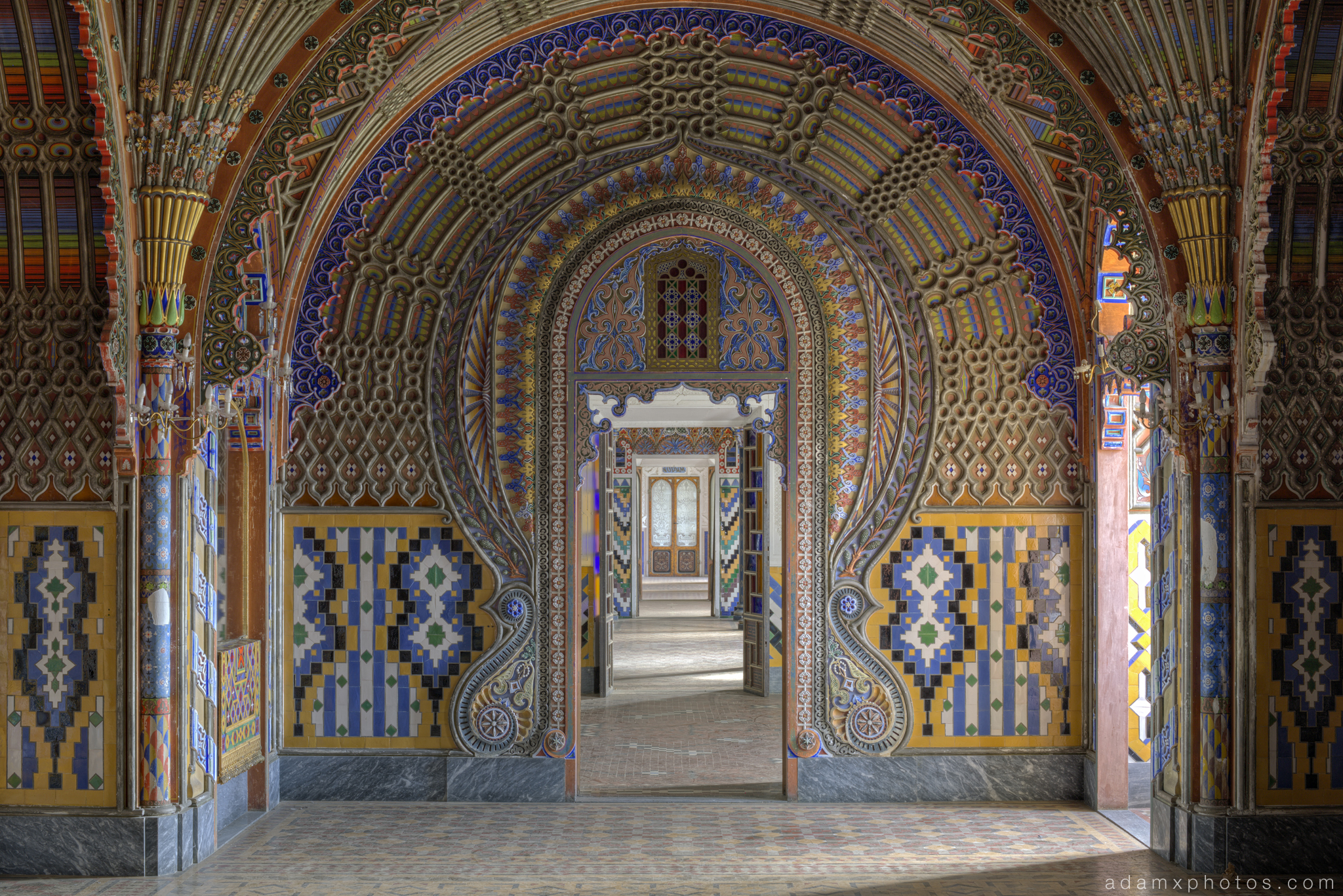 The Peacock Room colours fans tiles ornate intricate door ceiling Non Plus Ultra Fairytale Castle of Sammezzano Castello di Sammezzano Urbex Adam X Urban Exploration photo photos report decay detail UE abandoned Ornate Moorish tiling tiled derelict unused empty disused decay decayed decaying grimy grime