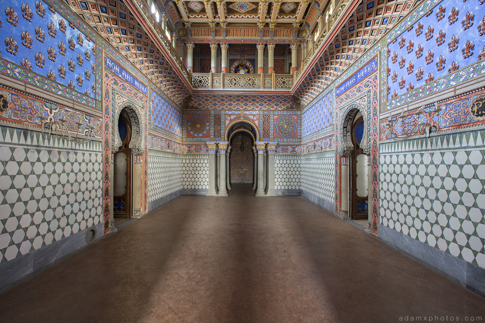 The hall of Lilies Sala dei gigli Non Plus Ultra Fairytale Castle of Sammezzano Castello di Sammezzano Urbex Adam X Urban Exploration photo photos report decay detail UE abandoned Ornate Moorish tiling tiled derelict unused empty disused decay decayed decaying grimy grime