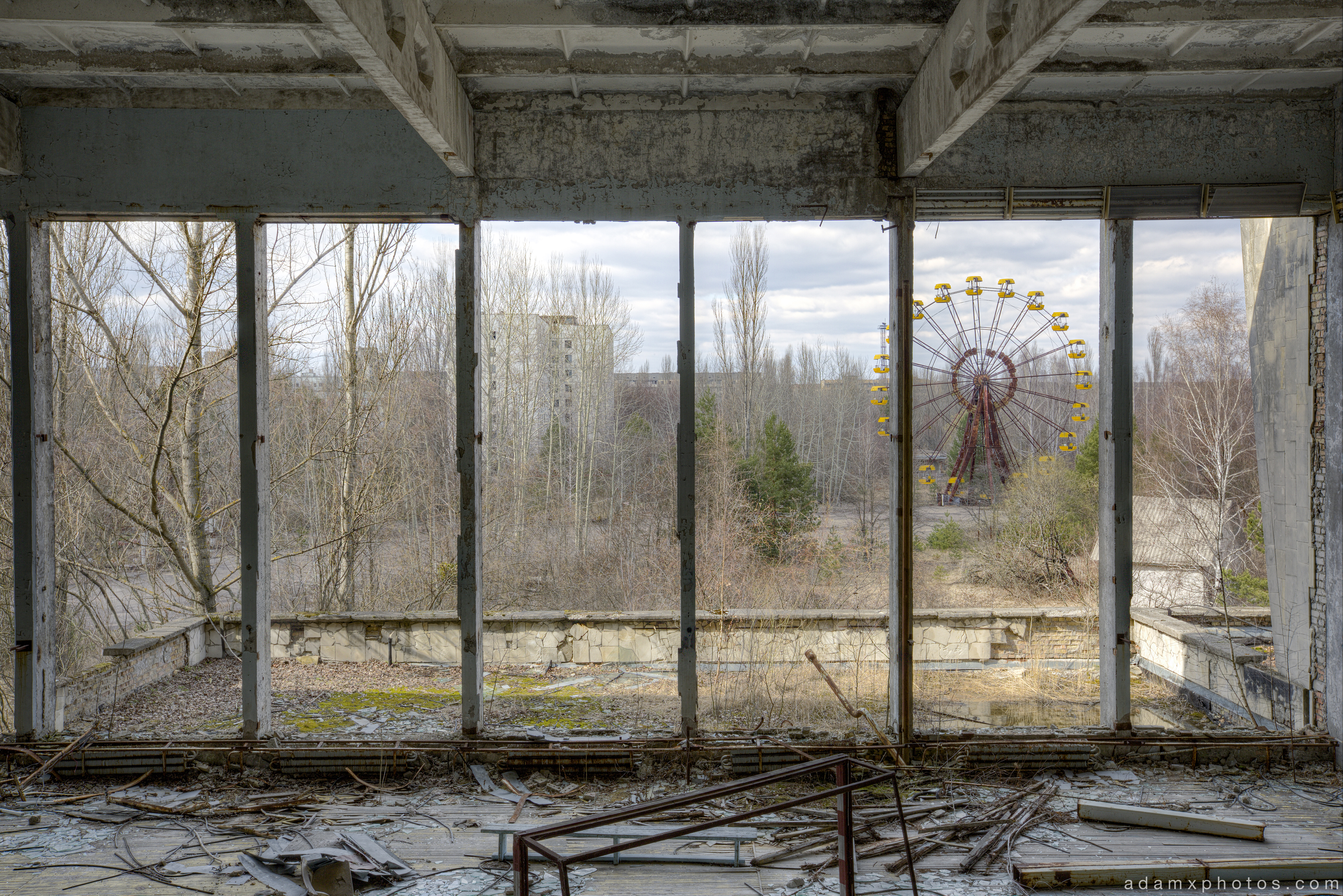 ferris wheel from gym gymnasium sports hall of palace of culture energetik Chernobyl Pripyat Urbex Adam X Urban Exploration 2015 Abandoned decay lost forgotten derelict