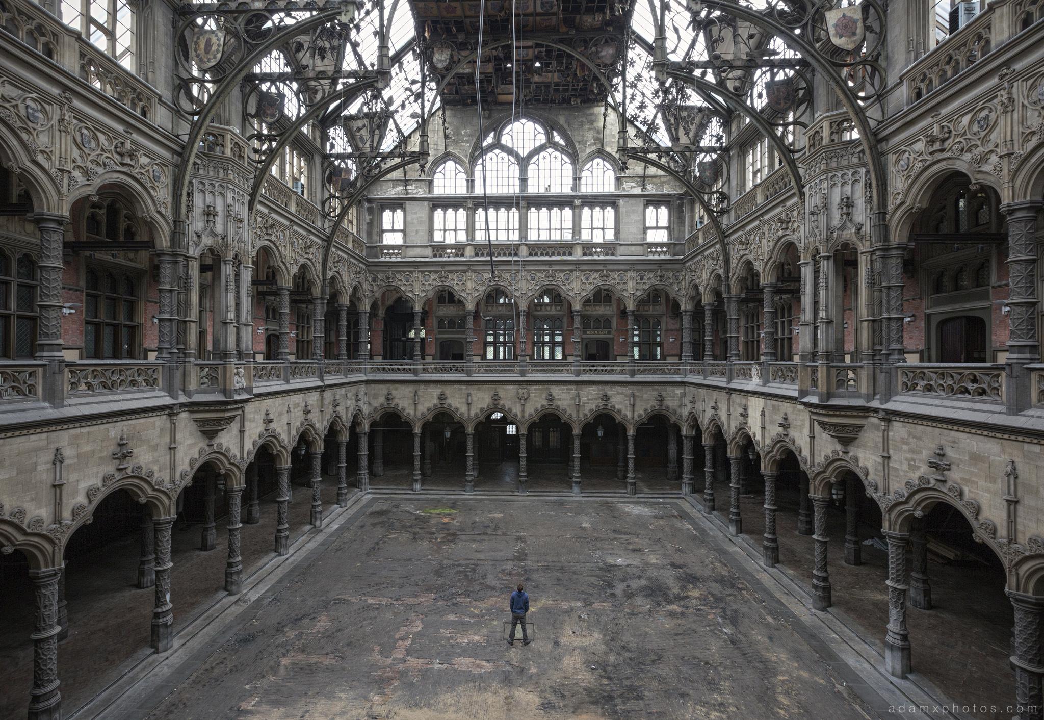 Inside selfie CDC Chambre De Commerce Antwerp Belgium Antwerpen Urbex Adam X Urban Exploration 2015 Abandoned decay lost forgotten derelict